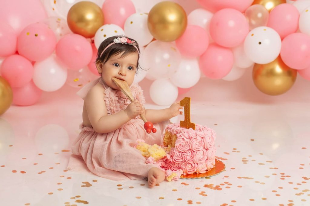 sesion de fotos con pastel niña